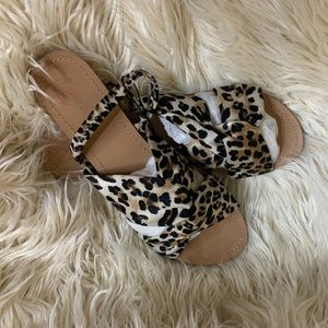 🌺Forever 21 Cheetah print sandals size 9🌺
